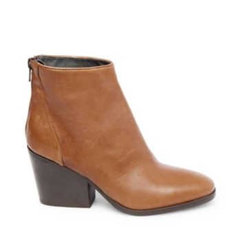 You can count ZAYN among this season\\\'s go-to casual styles, thanks to the bootie\\\'s comfortable Western-inspired shape, minimal detailing and broad versatility. Leather upper material 3 inch heel height Functional back zipper Made in Italy Steven by Steve Madden