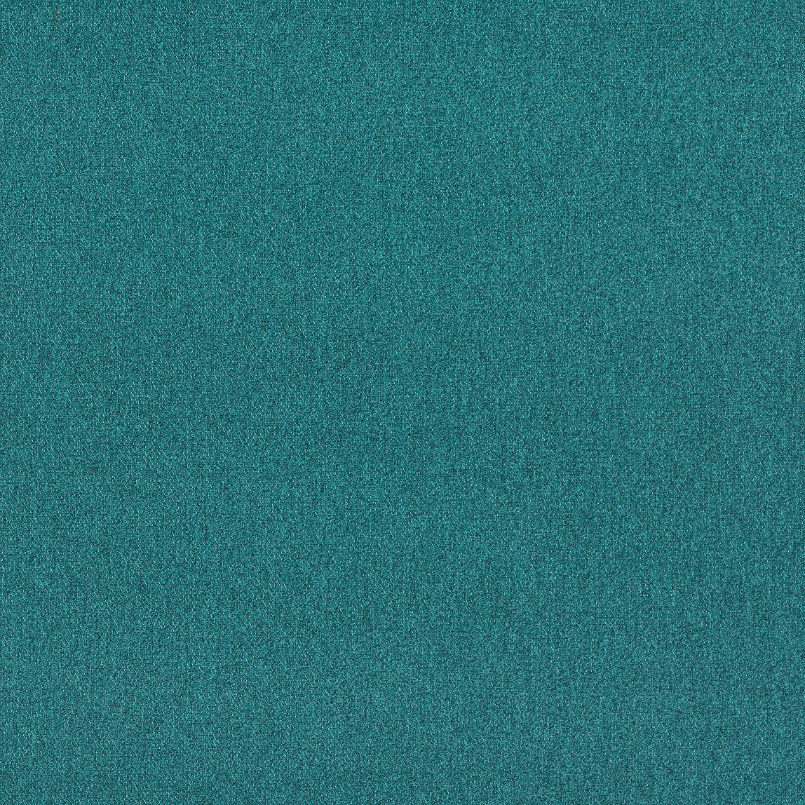 Outlander Aquamarine Swatch