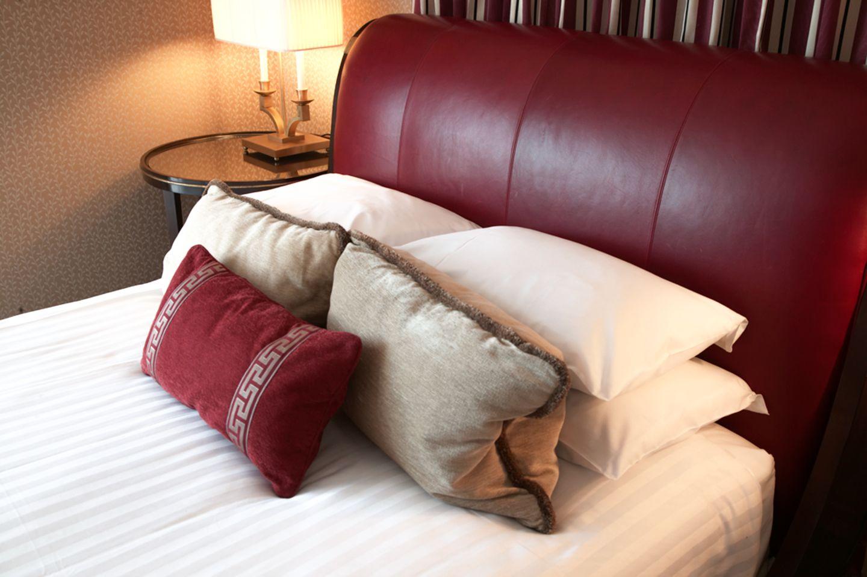 Eden Suite sleigh bed