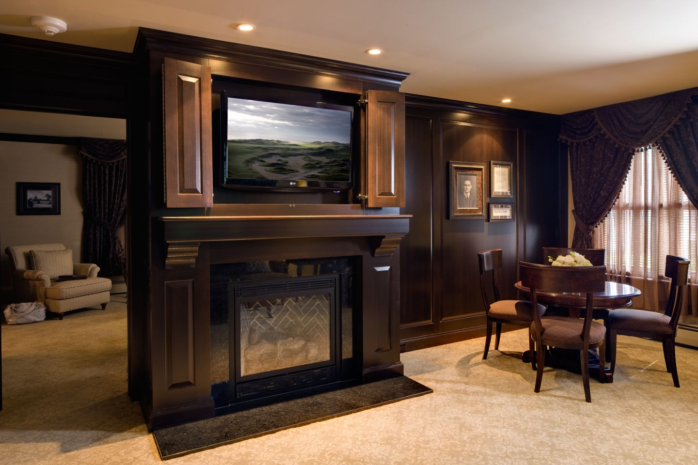 This is the Governor Suites at The American Club