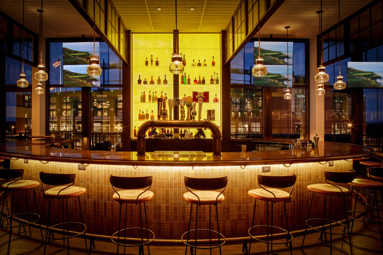 Taverne in the Sky interior