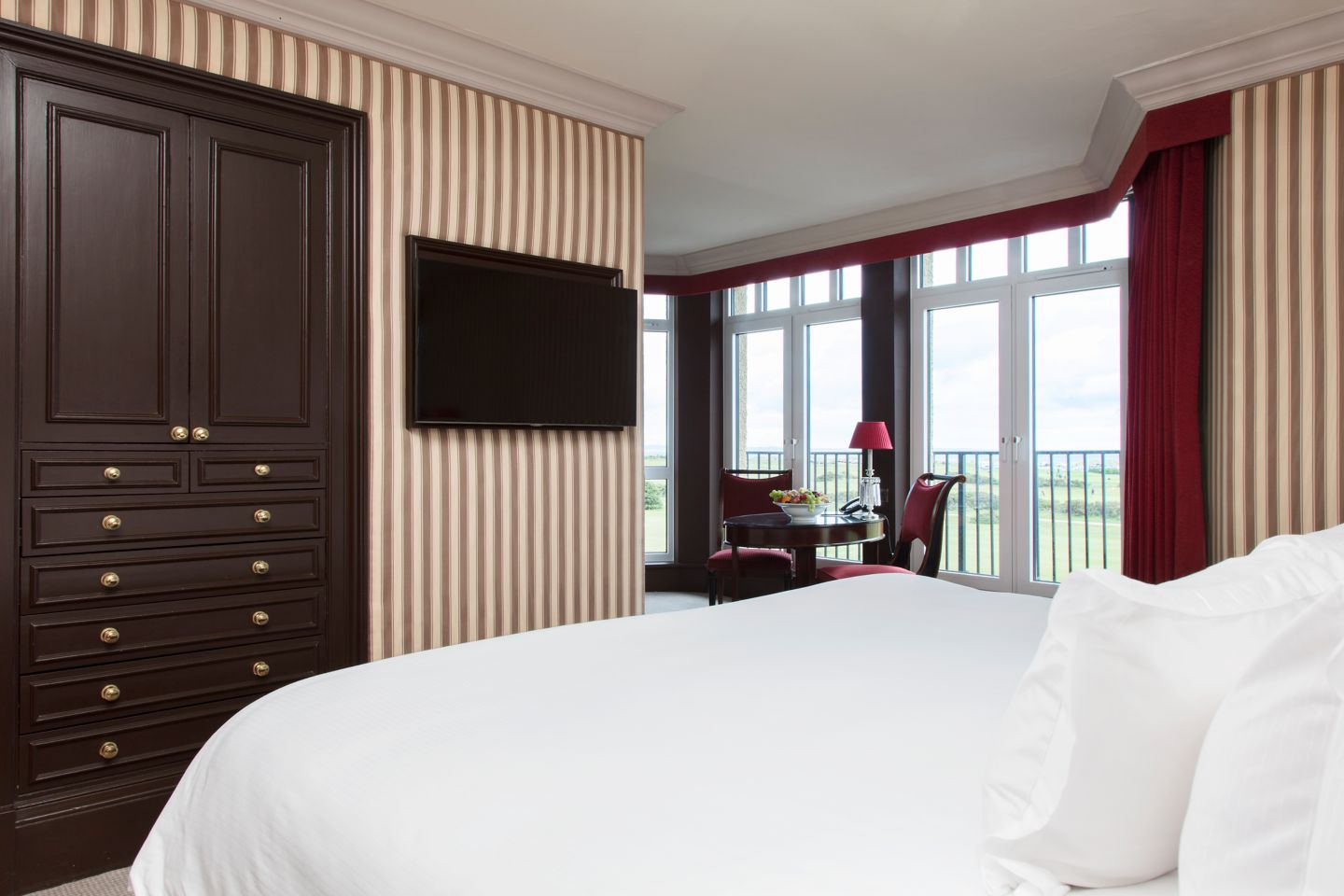 Old Course Suite bedroom