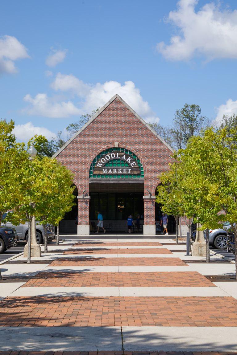 The exterior of Woodlake Market