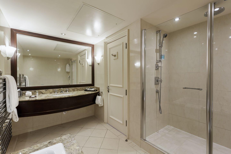 Eden Suite bathroom