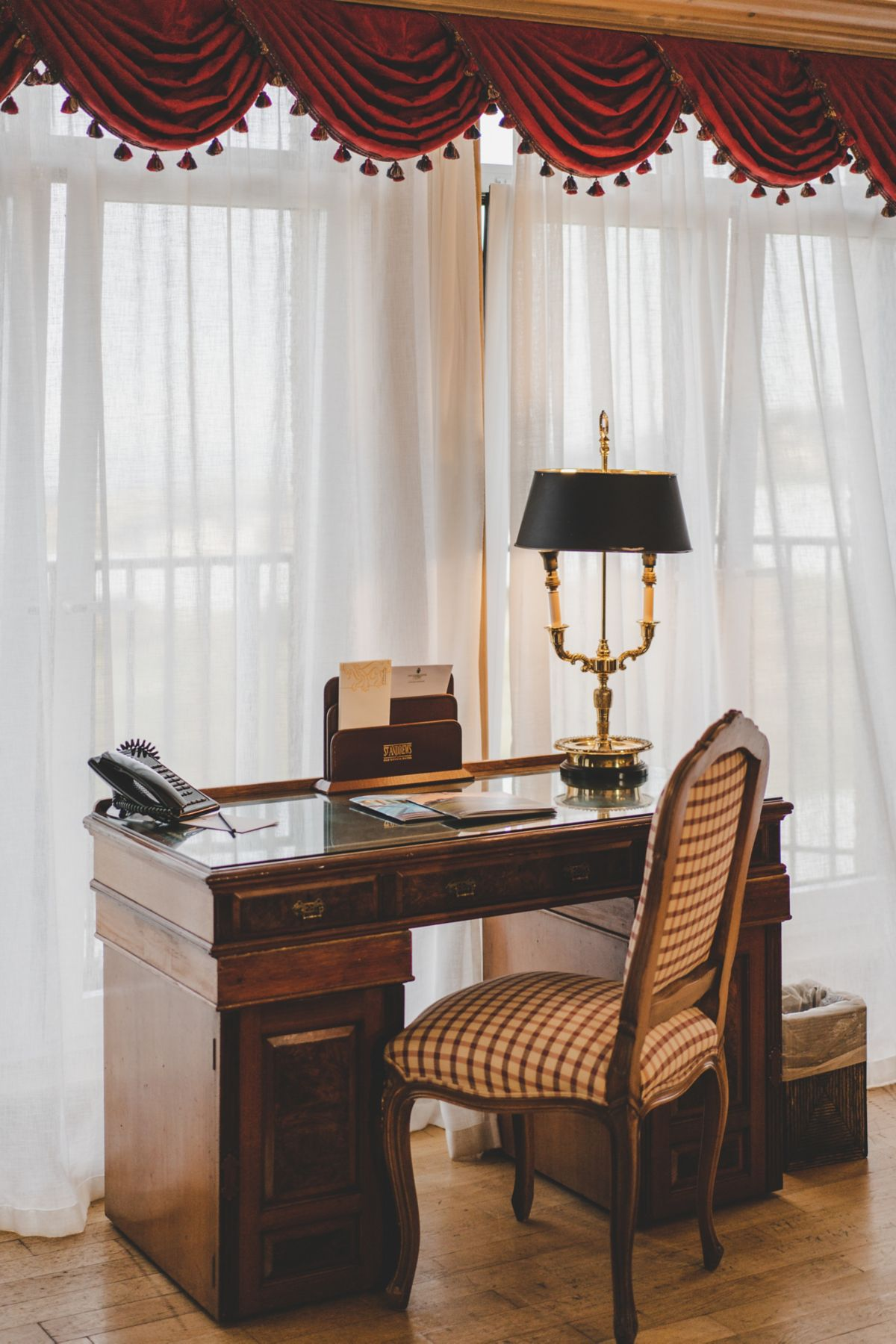 Royal and Ancient Suite writing desk