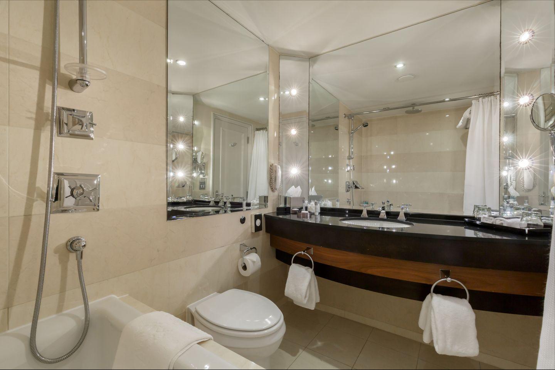 Old Course Room KOHLER bathroom