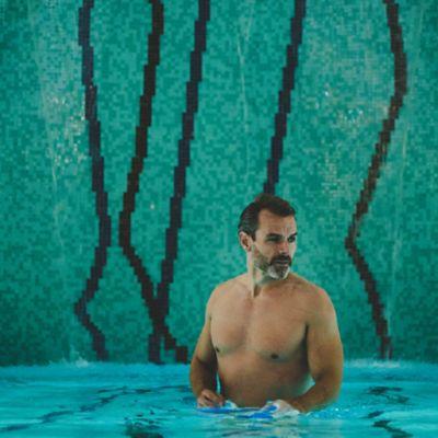 Man in Kohler Waters Spa pool