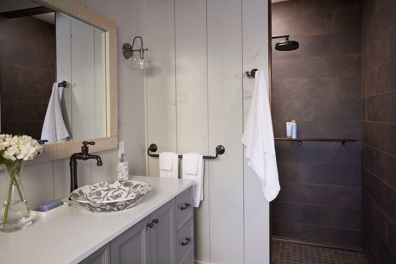 Lake Cabin Bathroom