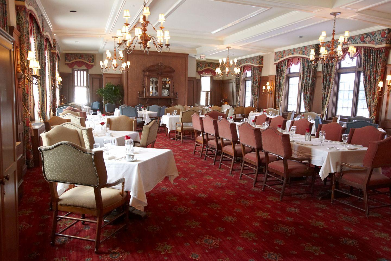 The Wisconsin Room interior