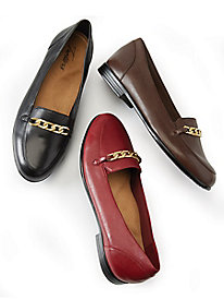 Trotters Anastasia Chain Loafer