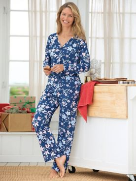 Karen Neuburger® Soiree Floral-Print Long-Sleeve Cardigan Pajamas