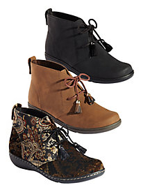 Jinger Ankle Boots from Soft Style®