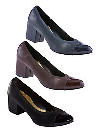Daryn Stretch V-Vamp Pumps from Soft Style
