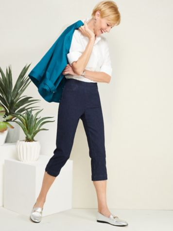 Essential Jewel Neck Tee & Slimtacular® Denim Capris