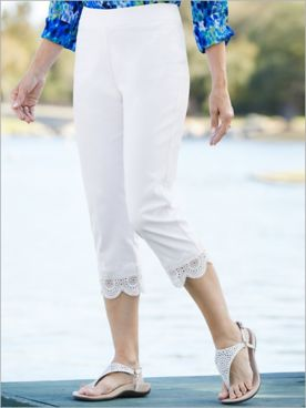 Medallion Lace Trim Capris
