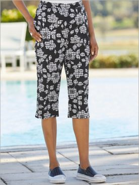 Checkmate Floral Check Capris by Alfred Dunner