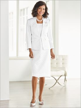 Elegant Brooch Suit