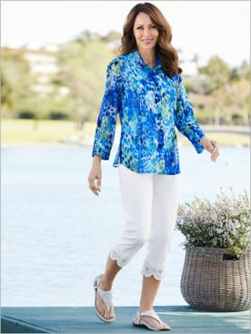 Tahitian Tide Shirt & Medallion Lace Trim Capris
