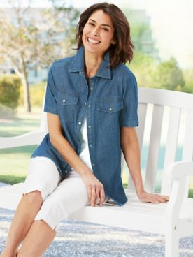 Everyday Denim Camp Shirt & Slimtacular® Capris