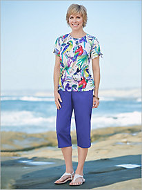 Costa Rica Parrots Top & Lattice Cuff Capris by Alfred Dunner