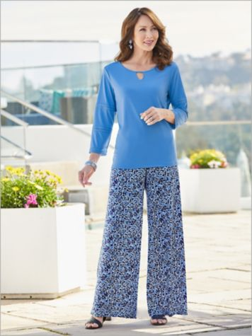 Coastal Tee & Spirit Knit Pants