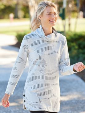 Textured Long Sleeve Pullover