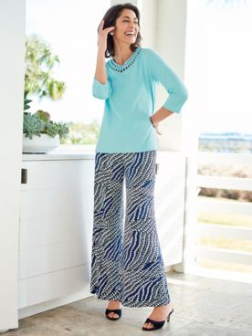 Artistic Touch Tee & Mystic Mosaic Knit Pants