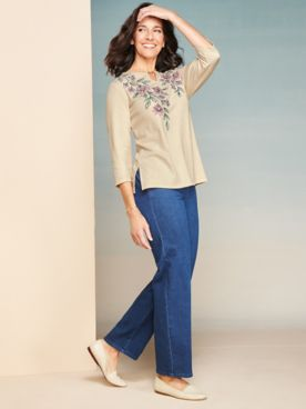 Floral Embroidery Yoke Tee & Denim Pants by Alfred Dunner