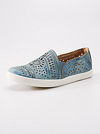 Earth Tayberry Sneakers