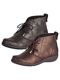 Jinger Ankle Boots By Soft Style®