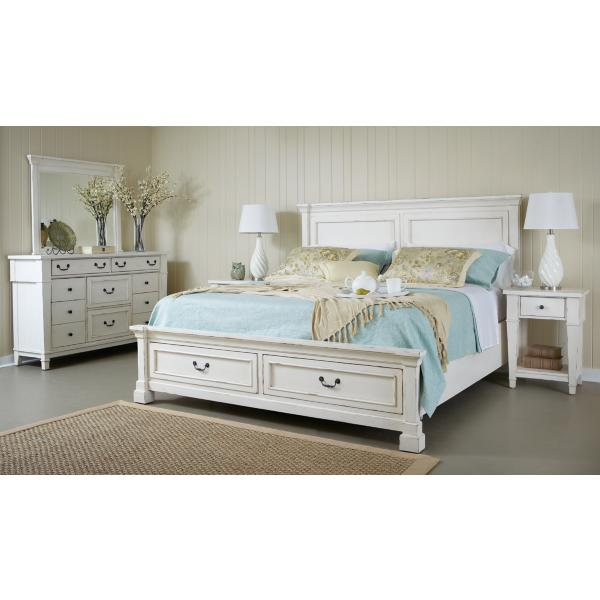 Stoney Creek Panel Bed with Footboard Storage