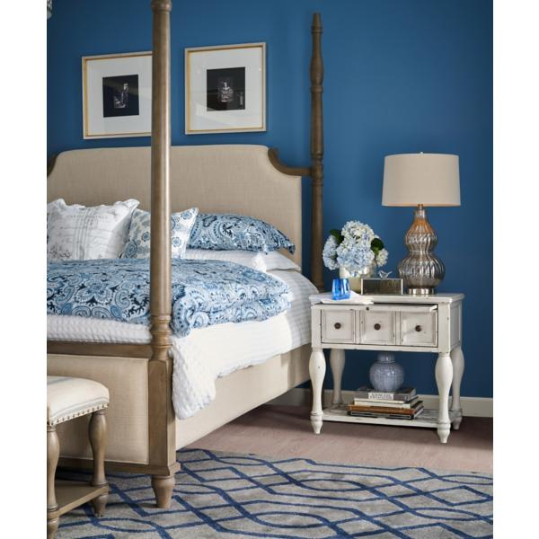 Laurel Grove King Poster Bed