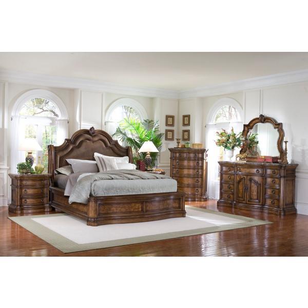San Mateo Sleigh Bed