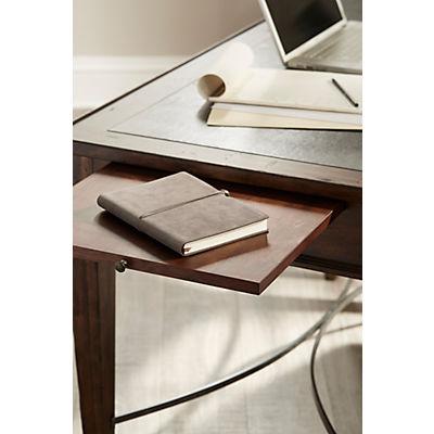 Trisha Yearwood - XXX'S and OOO'S Desk