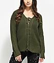 Almost Famous Mandy suéter en verde olivo con cordones