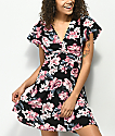 Almost Famous vestido negro floral
