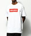 Artist Collective Skrt Skrt Box Logo camiseta blanca