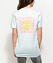 Broken Promises Dandelion camiseta en azul claro