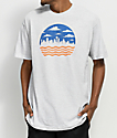 Casual Industrees Seattle Cloudy Wavy Skyline camiseta en gris de ceniza