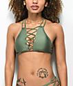 Damsel top de bikini de cuello alto verde brillante