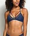 Damsel top de bikini triangulo con malla en azul