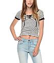 Empyre Hawn camiseta rayada con cordón en blanco y negro