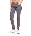 Empyre Tessa jeans rotos en color plomo