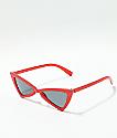 Gafas de sol rojas de triangulo