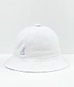Kangol Bermuda Casual sombrero de cubo blanco