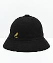 Kangol Bermuda Casual sombrero de cubo dorado y negro