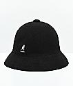 Kangol Bermuda Casual sombrero de cubo negro y blanco