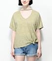 Lunachix camiseta oliva con gargantilla