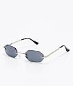 Mini gafas de sol ovaladas en negro y plateado