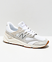 New Balance Lifestyle X90 Reconstructed Nimbus zapatos blancos y grises